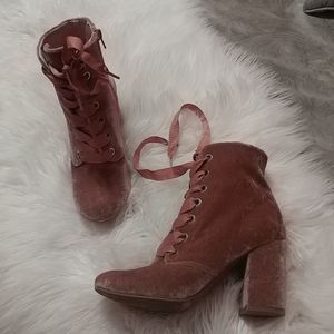 KENNETH COLE pink booties